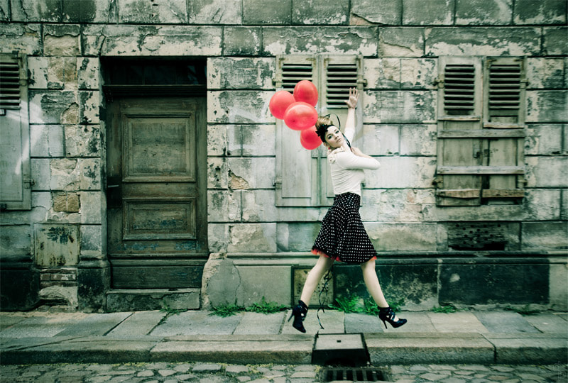 Photograph Mary and the balloons by David Pinzer on 500px