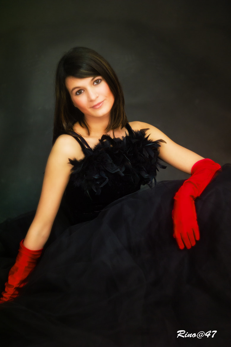 Photograph Red gloves by Gastone Dissette on 500px