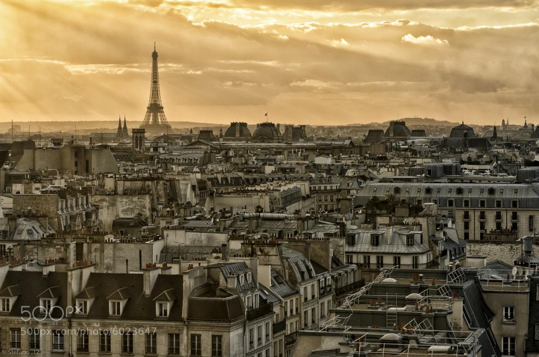 Photograph Les Toits de Paris by Stefano Tiberia on 500px