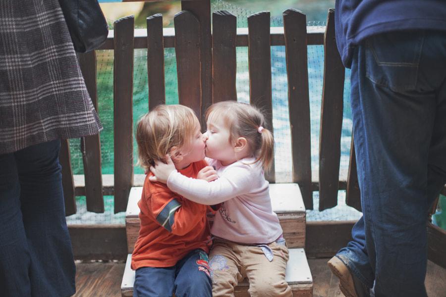 Sneak the kiss