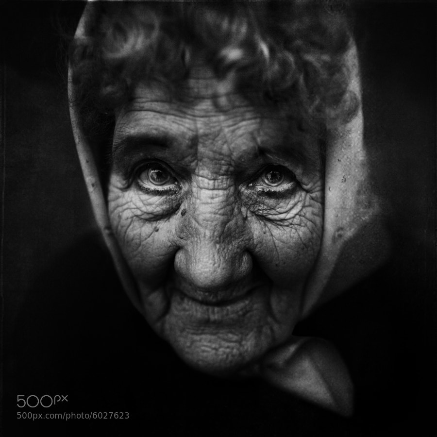 Photograph On the market.... by Lee Jeffries on 500px