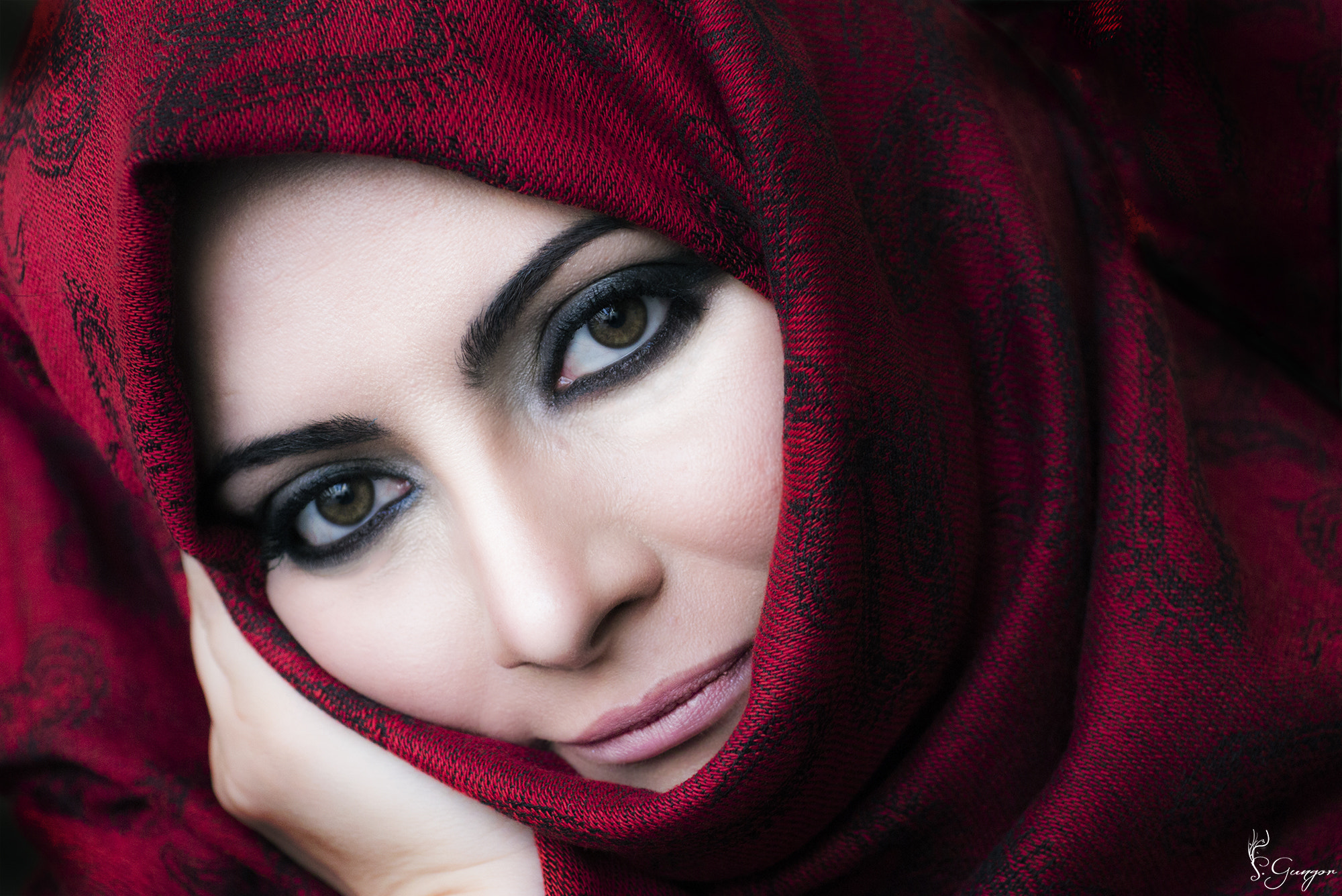 Photograph Red Scarf by Seyhan Gungor on 500px