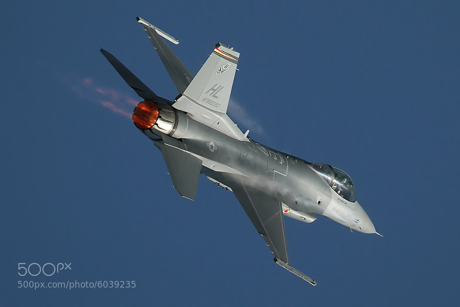 F-16C of the West Coast Viper Demonstration Team, 2010 NAS Oceana Air Show.