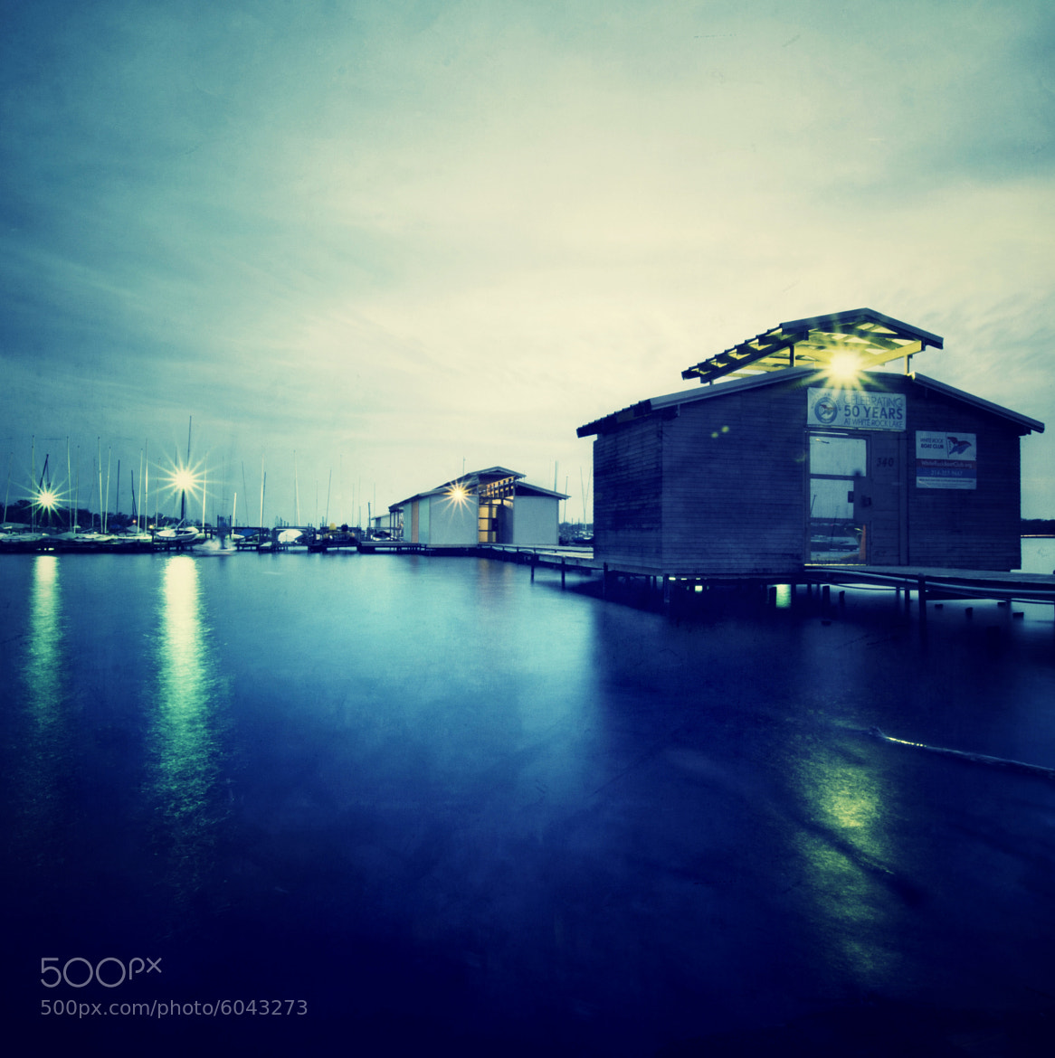Photograph On the Edge of Water by Halbert Bai on 500px