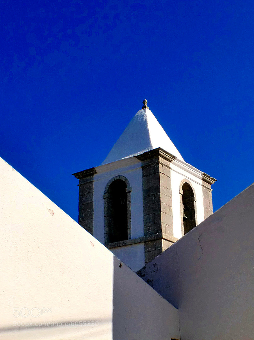 Photograph blue&white by Rodrigo Monteiro on 500px