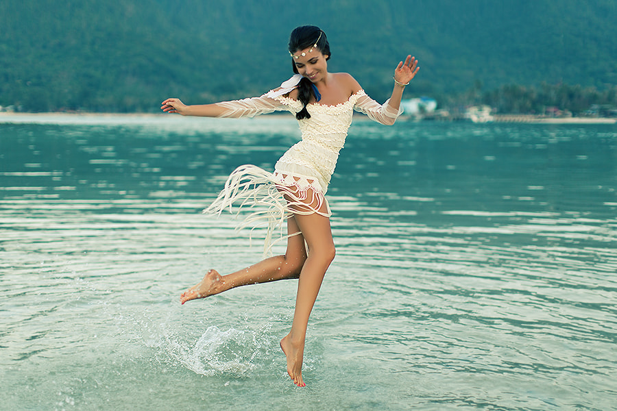 She can fly!.)