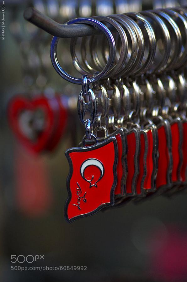 "key hanger by Mehmet Çoban on 500px.com"" border=""0"" style=""margin: 0 0 5px 0;"