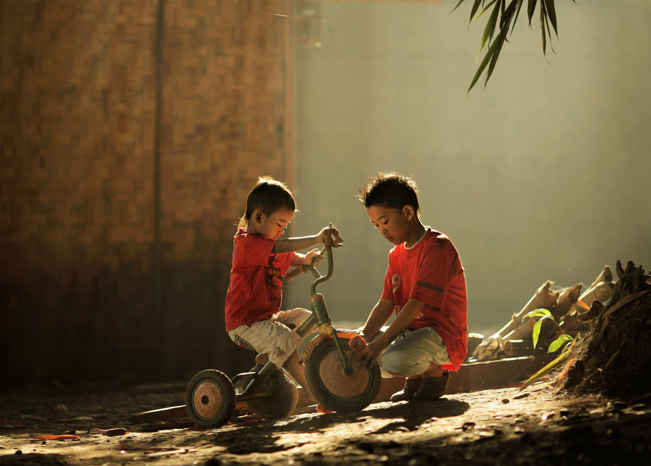 Photograph ..care.. by firdaus musthafa on 500px