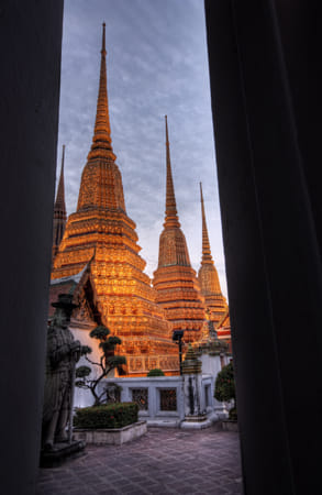 Pagoda in Wat Pho by Heather Balmain on 500px