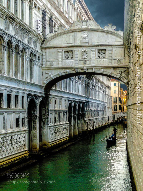 Photograph Ponte dei sospiri, Venezia by Angelo Peruzzi on 500px