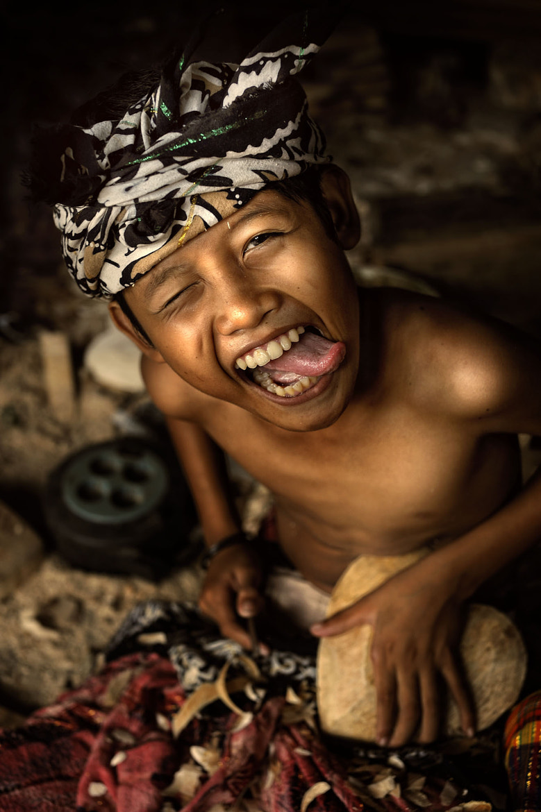 Photograph Bali - Woodcarvers by toonman blchin on 500px