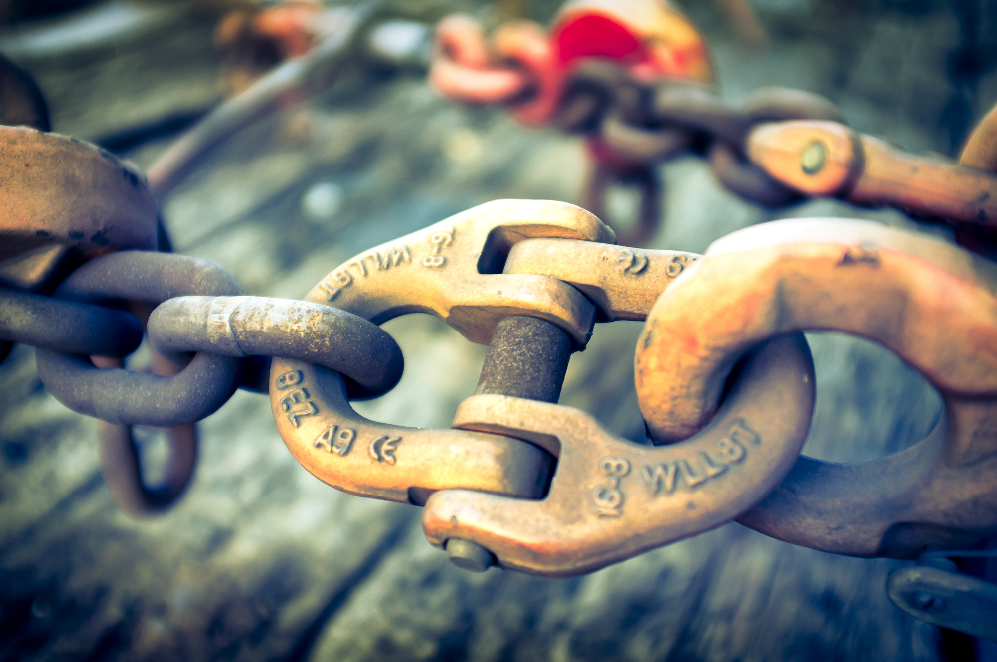 Photograph Train´s Chains by JESUS SILVA ANDRADE on 500px