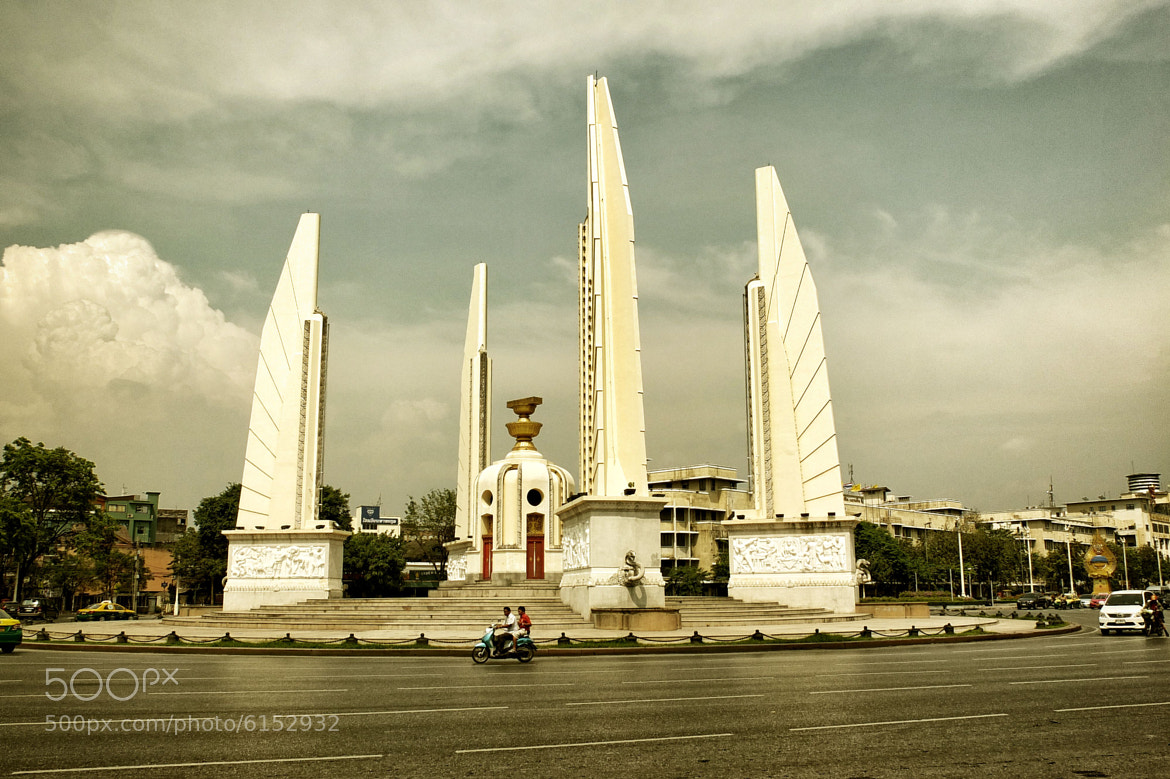 Photograph Democracy Monument by Matthew Richards on 500px