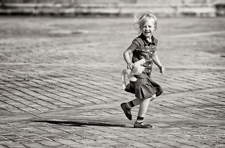 Photograph The Little Girl by Laurent DUFOUR on 500px