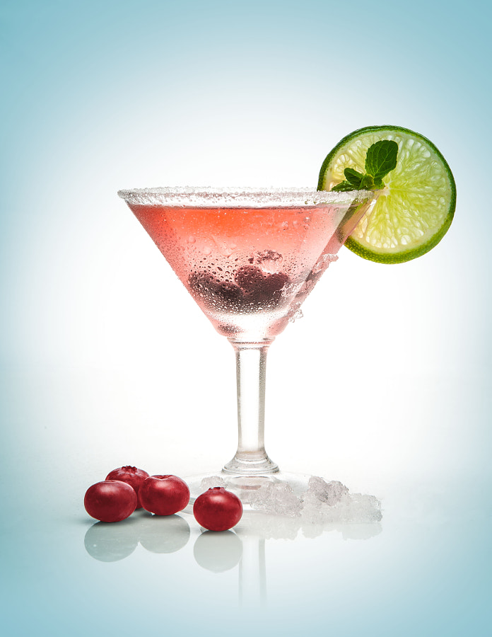 CRANBERRY KICK MARTINI