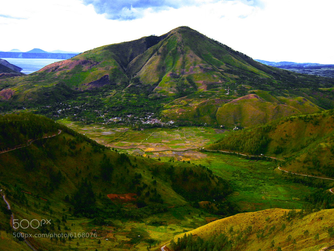 Photograph TobaHIghland by Jenny Tunggul on 500px