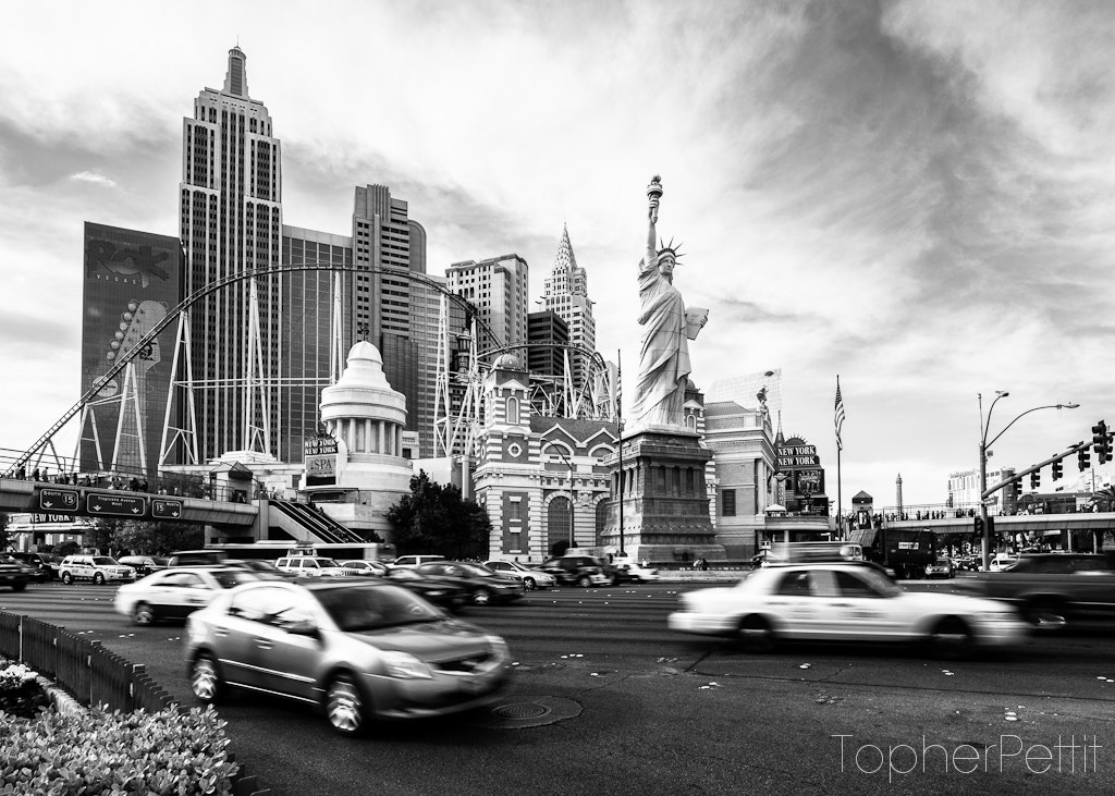 Photograph New York, New York Casino B&W by Topher Pettit on 500px