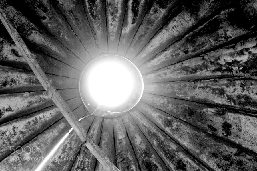 Photograph inside the silo by Jeff Carter on 500px