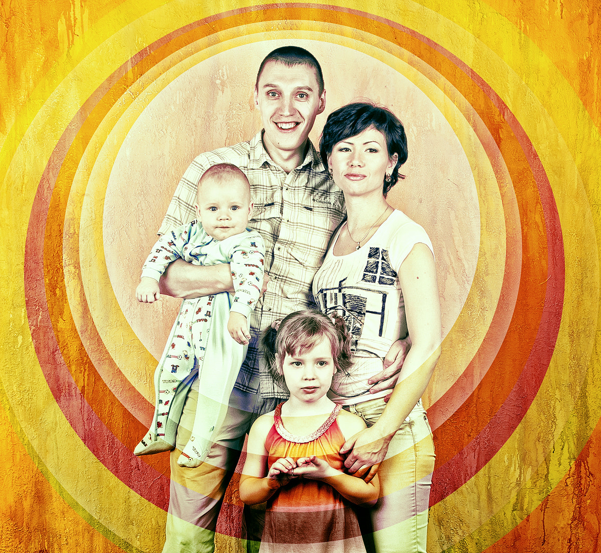 Photograph Family Portrait in circles. Option number 1 by ilya borshevsky on 500px
