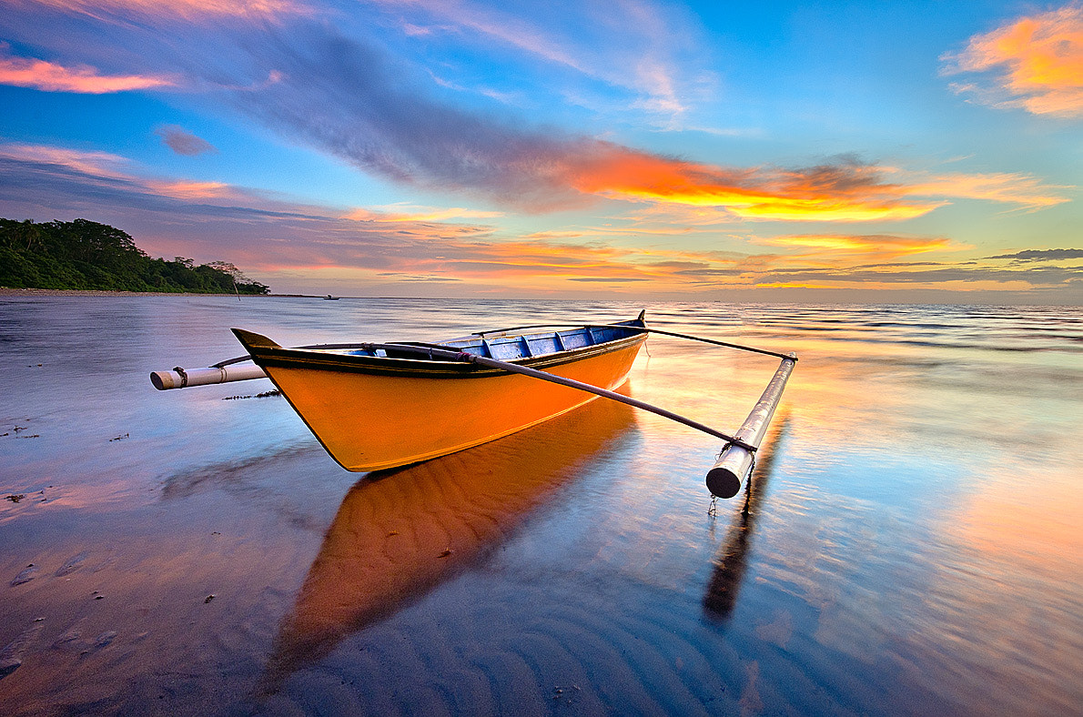 Photograph Sampan Katig Sunset by Esmar Abdul on 500px