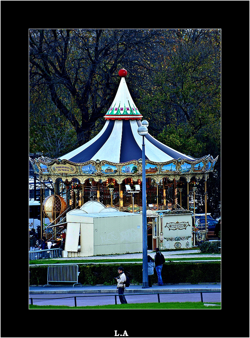 Photograph The Merry-go-round in Trocadero by Loïc Auffray on 500px