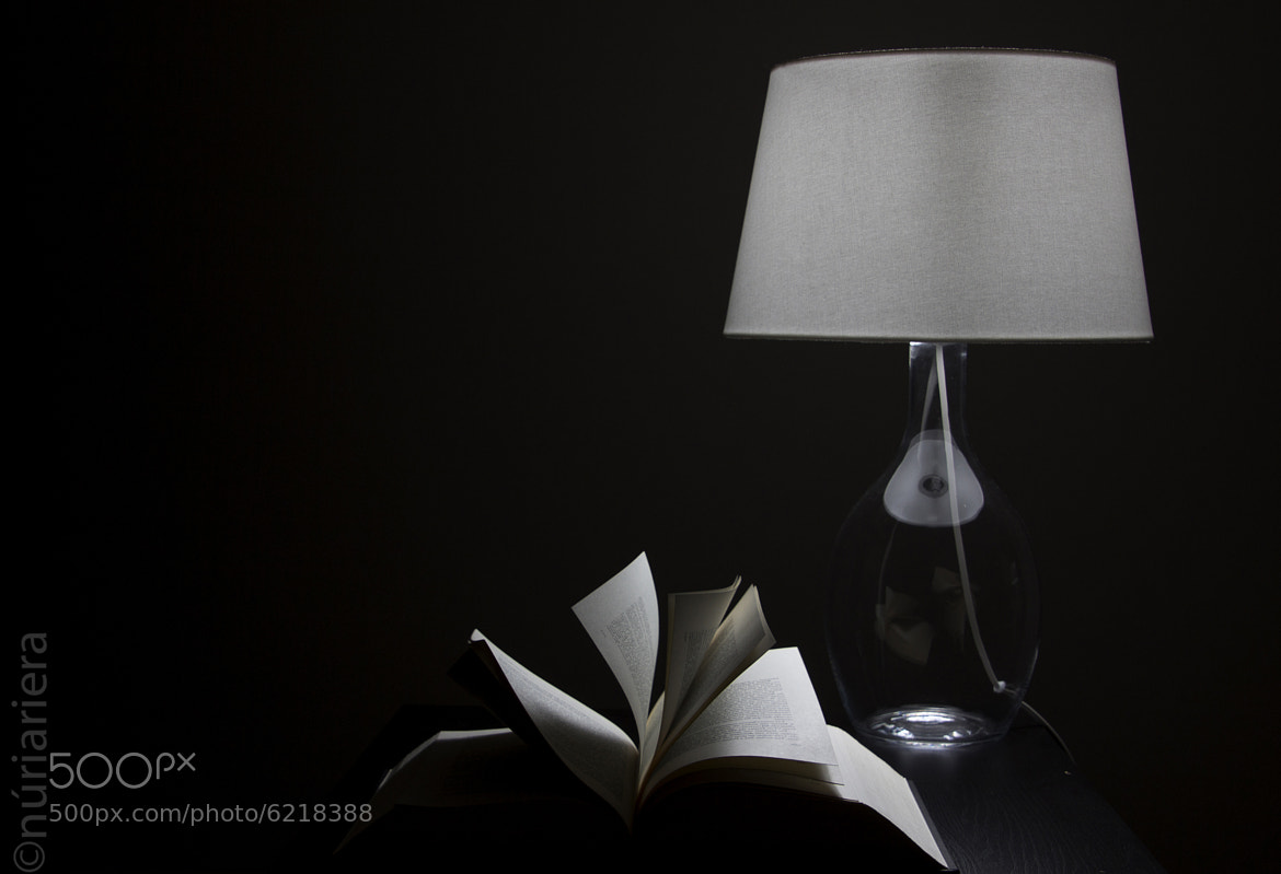 Photograph Reading by Núria Riera on 500px