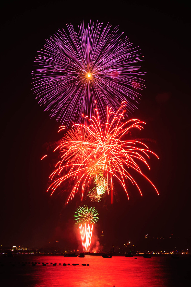 Photograph Firework @ Pattaya II by Piyabut Sae-liang on 500px