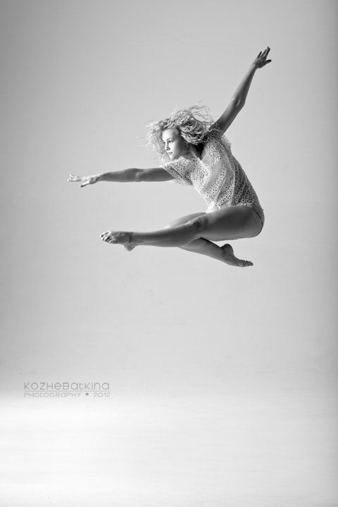 Photograph Yulia in dance #5 by Evgenia Kozhebatkina on 500px