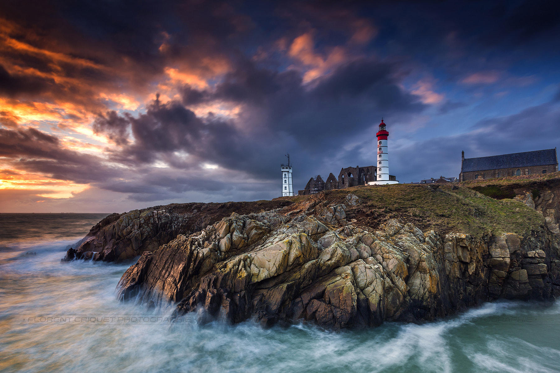 Photograph Phare de la pointe Saint Mathieu by Florent Criquet on 500px