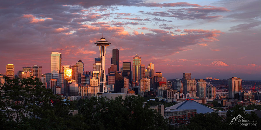 Photograph Seattle Skyline Sunset by Jeremy Jonkman on 500px