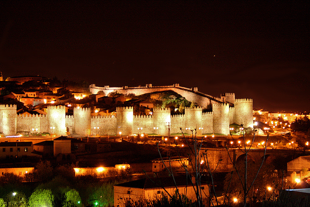 Photograph Avila at night by Fred Bejins on 500px
