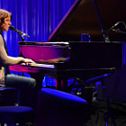 Постер, плакат: Sarah McLachlan in performance