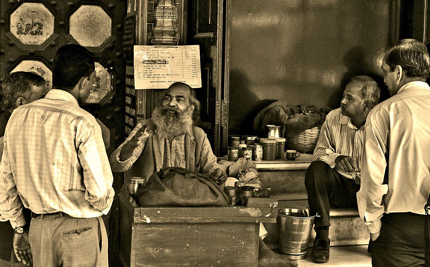 Photograph Life on the streets of Delhi by Samrat  Mukhopadhyay on 500px