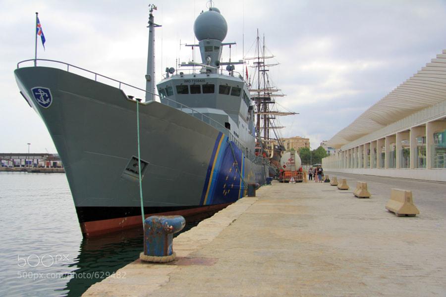 Barco de inspección de la UE