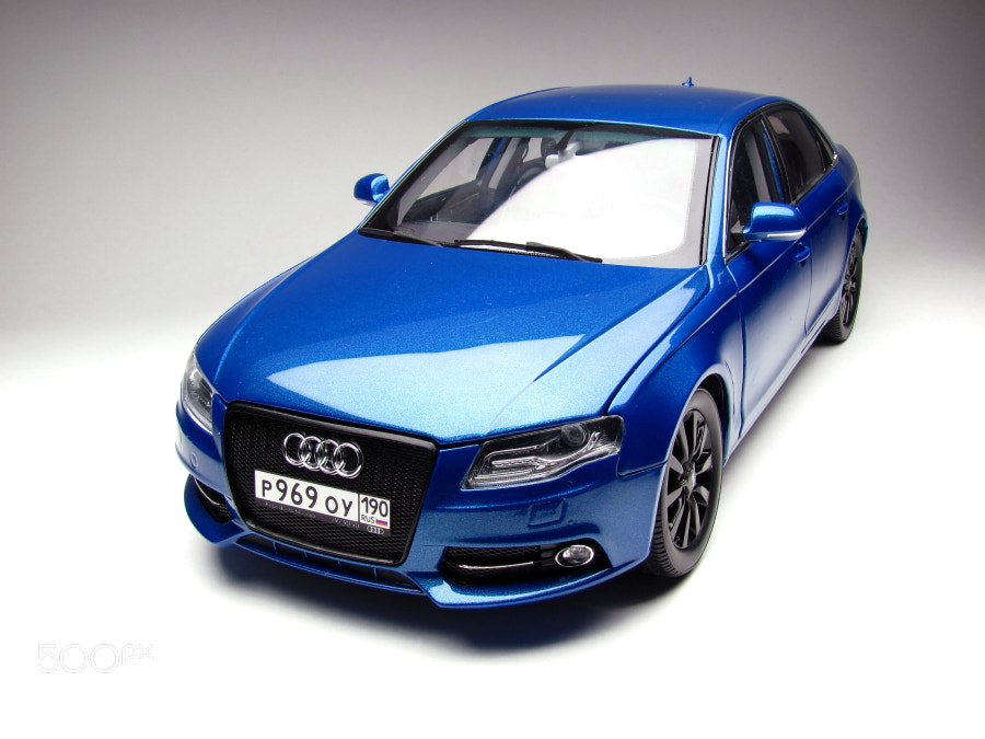 """The unique model of Audi A4 """" Blaue Augen"""" from Moscow, scale 1/18, hand made"""