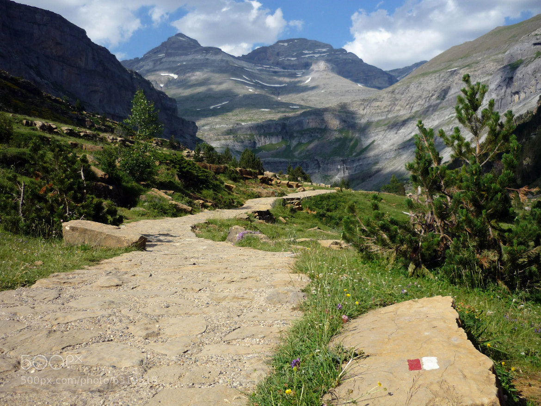 Photograph Valle de Ordesa  by Tereza Terezz on 500px