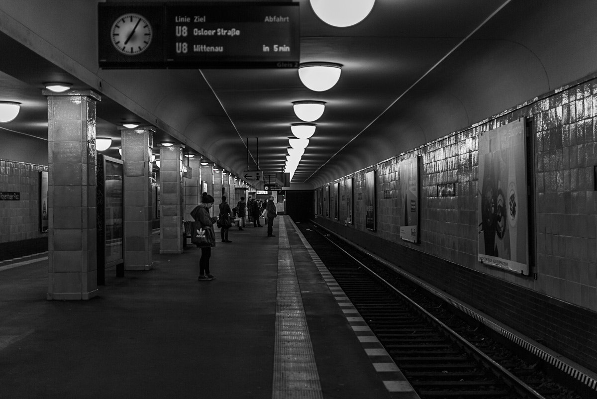 Photograph waiting for the train by Ina Gat on 500px