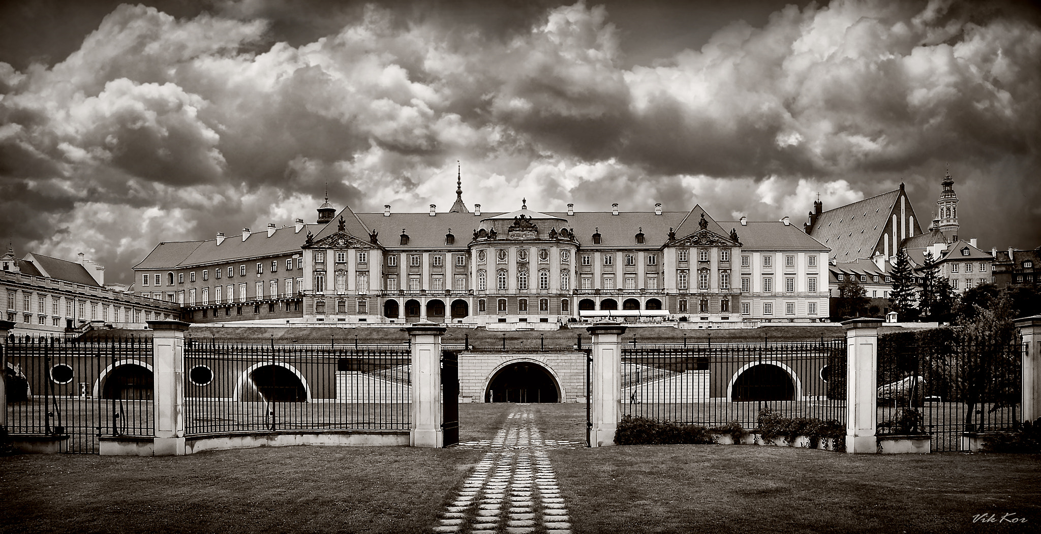 Photograph The Royal Castle in Warsaw II by Viktor Korostynski on 500px