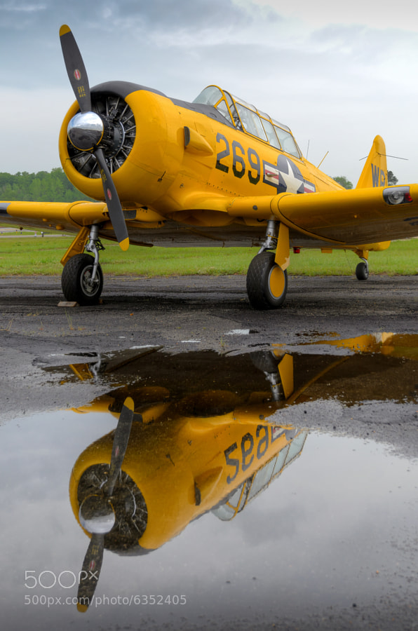 A vintage T-6 at the 2012 Tuscaloosa Airshow