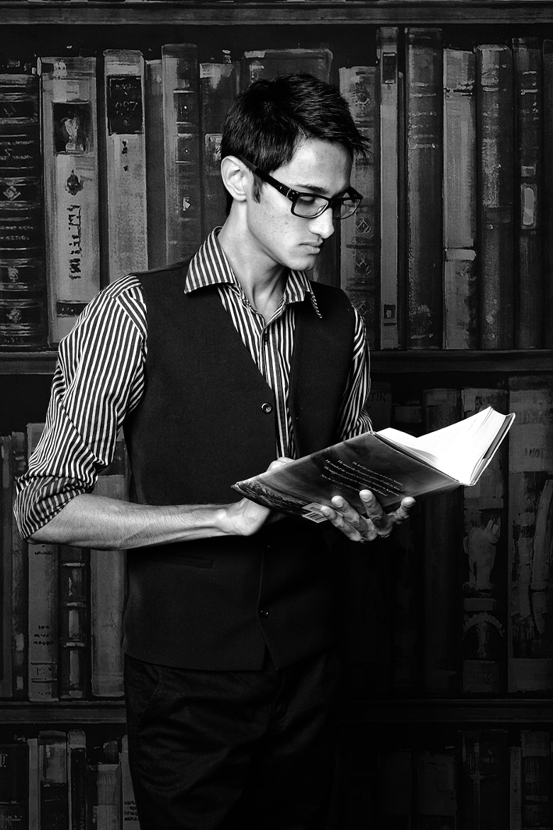 Photograph The Reader by Sermed Altaf on 500px
