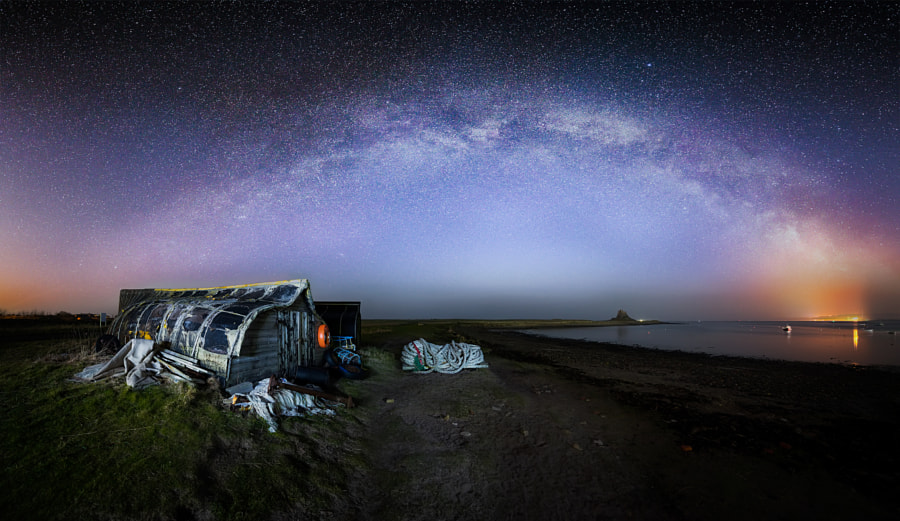 Holy Island Milky Way, автор — Craig Richards на 500px.com
