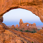 Постер, плакат: Turret Arch through North Window Arch