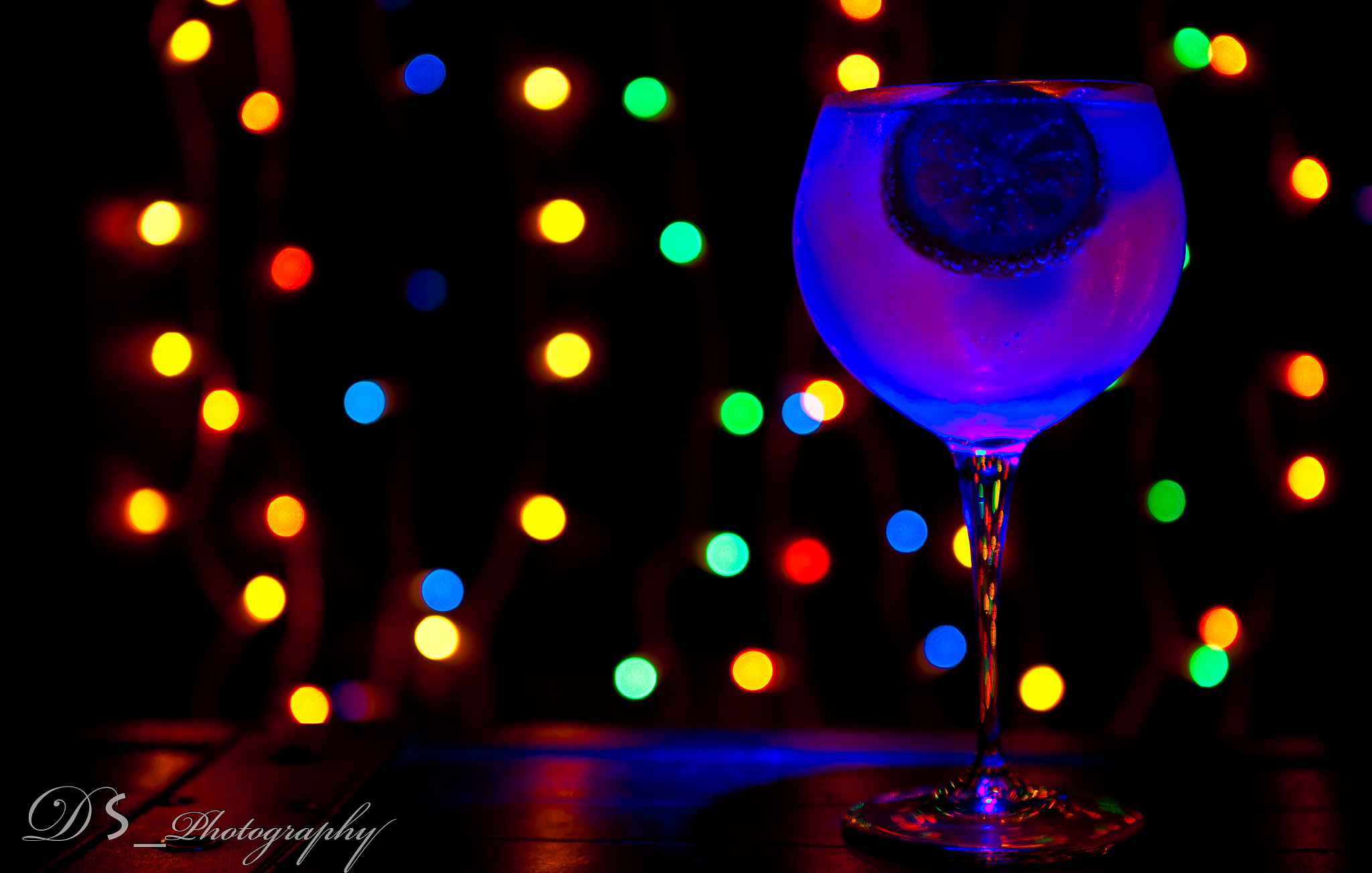 Photograph Saturday Night Gin Tonic by Daniel Sousa Malandra on 500px