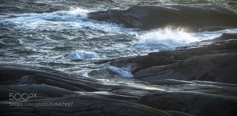 Dancing Waves Around The Bedrocks