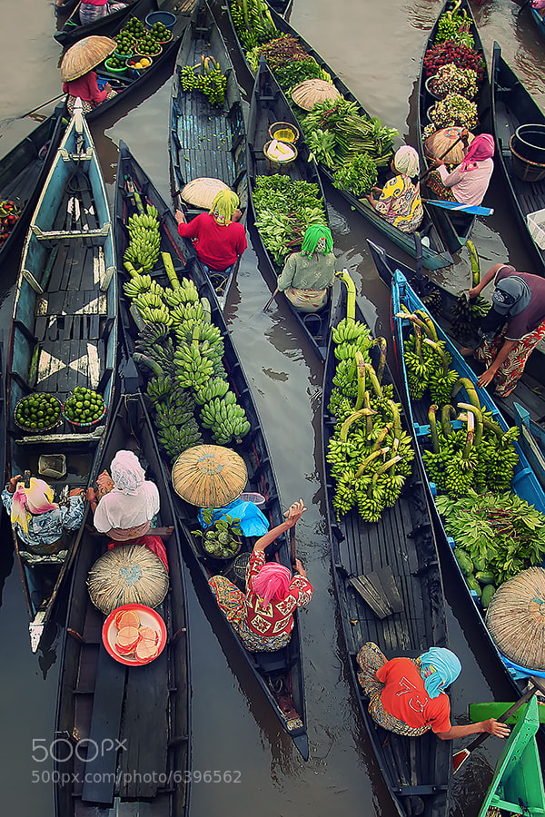 Photograph Floating Market Activity by Fauzan Maududdin on 500px