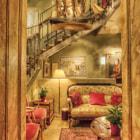 Lady Hamilton Hotel by Eric