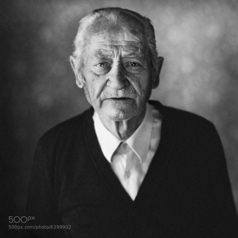 Photograph old man I by Aria Baró on 500px