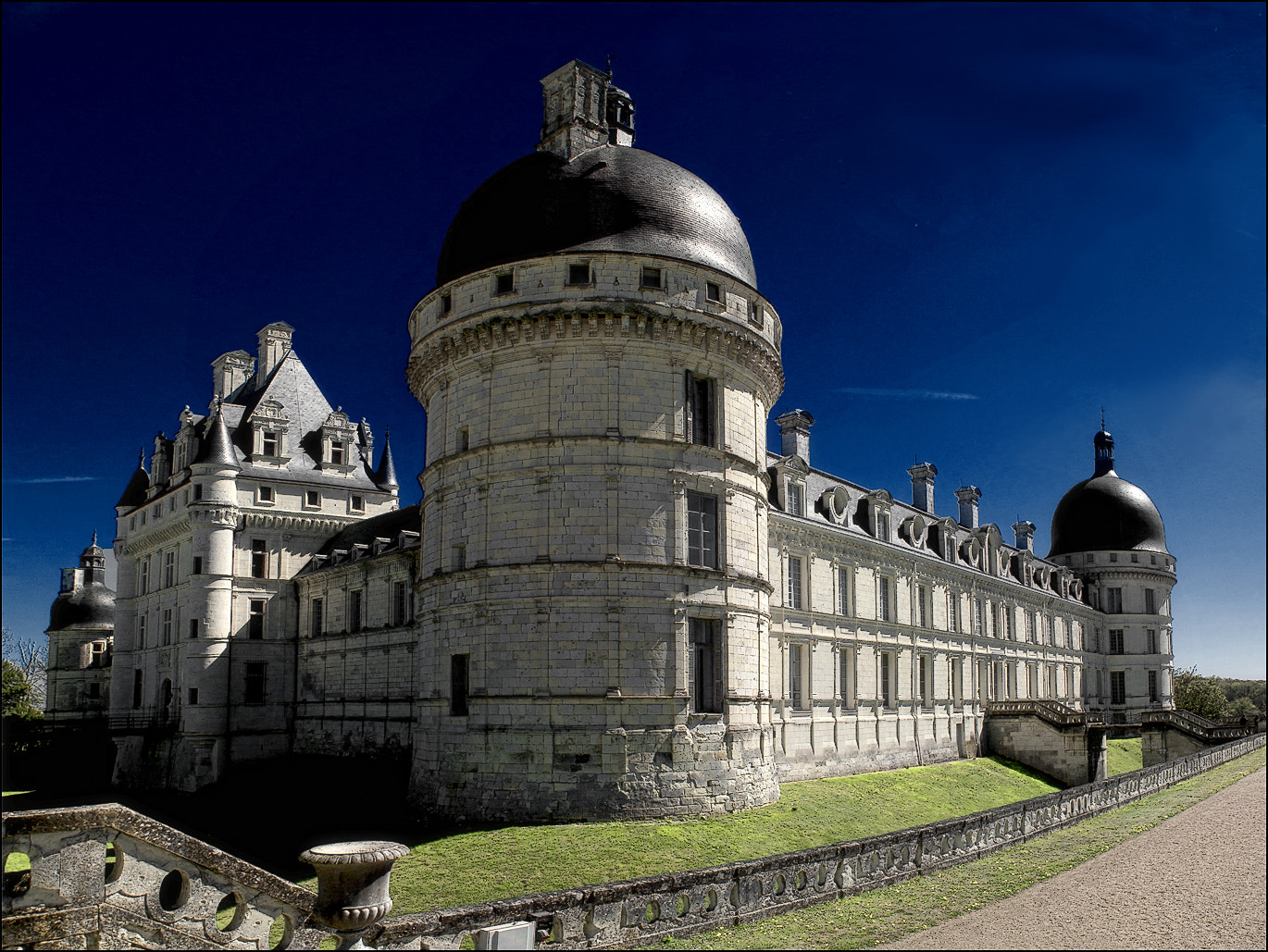 Photograph Valencay by RobN 185 on 500px