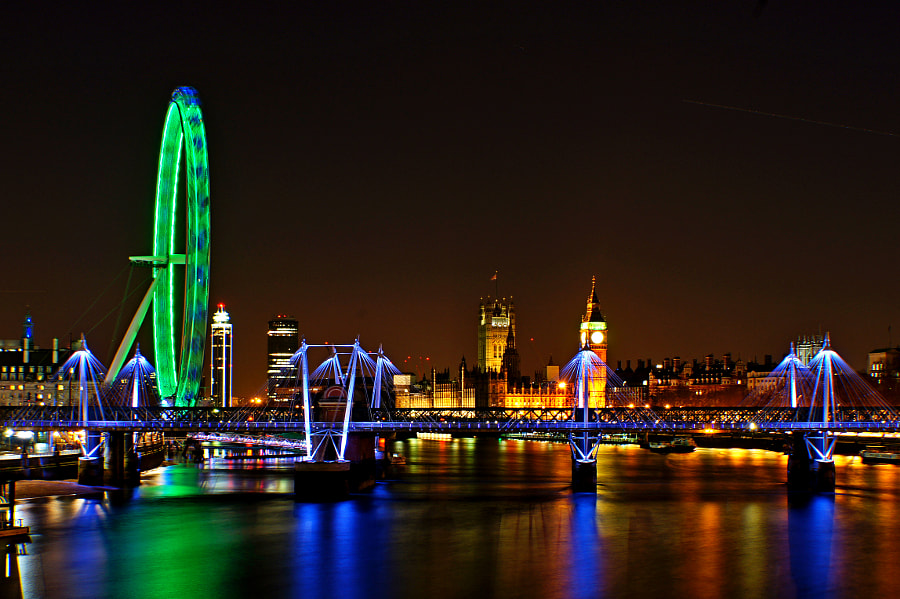 St Patrick's day on the Thames by Nigel Moore on 500px.com