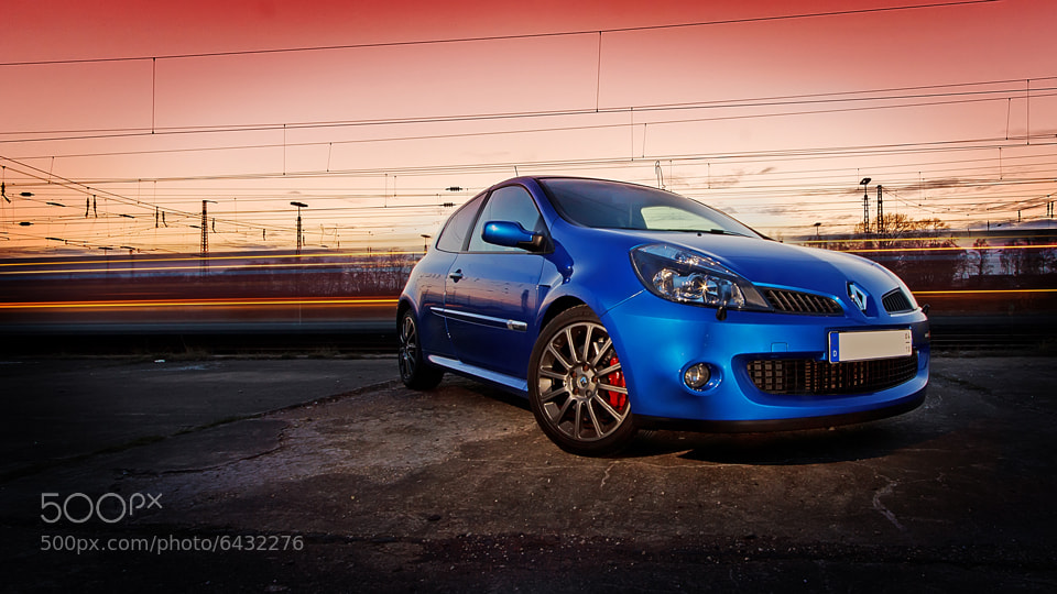 Photograph Renault Clio RS by Robin Glück on 500px